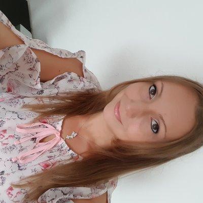 Janine24